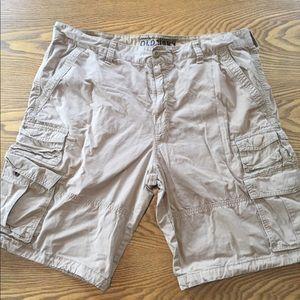 Old Navy Men's Beige Tan Cargo Shorts Size 40